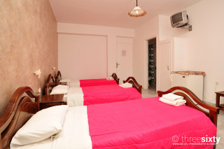accommodation anna pension three beds