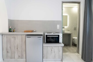 anna pension studio kitchenette